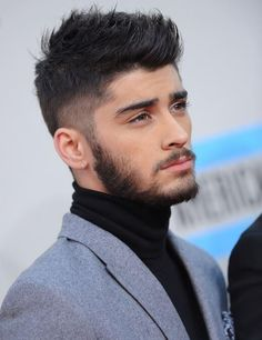 Zayn Malik and his sexy beard Zayn Malik, Niall Horan, Hair And Beard Styles, Hair Styles, Sweet Hairstyles, One Direction Pictures, Moustaches, Men's Grooming, Haircuts For Men