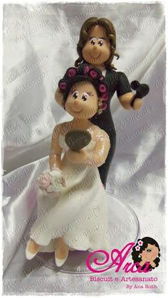 Noiva com bóbis e com a cabeleireira Lembrança personalizada