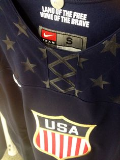 TEAM USA HOCKEY 2014 - gotta put the land of the free, home of the brave on my own jersey Team Usa Hockey, Olympic Hockey, Ice Hockey Teams, Hockey Mom, Hockey Players, Olympic Games, Hockey Stuff, Usa National Team, National Hockey League