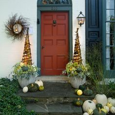 Willow Garden Obelisk in New Trending Doorstep Décor at Terrain Outside Fall Decorations, Fall Yard Decor, Outdoor Decorations, House Decorations, Planting Pumpkins, Grow Pumpkins, Willow Garden, Fall Containers, Succulent Containers