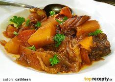 Farmářský guláš (Kluci v akci) recept - TopRecepty.cz Thai Red Curry, Pork, Ethnic Recipes, Sweet, Pork Roulade, Pigs, Pork Chops