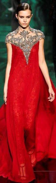 MONIQUE LHUILLIER F/W 13.14 red  evening gown with silver or grey lace