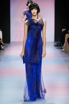 Armani Privé Spring 2020 Couture Fashion Show Fashion 2020, High Fashion, Fashion Show, Fashion Outfits, Fashion Design, Fashion Weeks, London Fashion, Runway Fashion, Fashion Trends