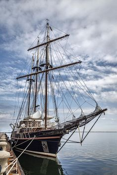 The Peacemaker Tall Ship-   Dale Kincaid Photography