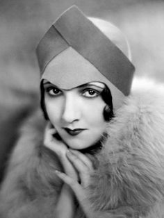 Carmelita Geraghty(1901-1966)was an american silent-film actress and painter.