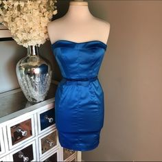 Jessica Simpson Royal Blue Dress Jessica Simpson - size 2 - Royal blue - strapless dress - removable belt - sweetheart neckline - like new condition - reasonable offers welcomed (please use offer button for single item purchases) - bundle discounts available Jessica Simpson Dresses Strapless