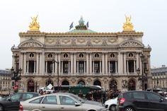 La Ópera de Paris. Uno de los sitios que apunto en la lista para explorar la próxima vez que vaya a Paris.