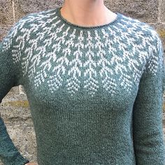 A top-down Icelandic-inspired stranded yoke sweater. This pullover is worked sea Knitting Wool, Fair Isle Knitting, Hand Knitting, Knitting Patterns Free, Knit Patterns, Icelandic Sweaters, Feather Pattern, Sweater Design, Knitting Projects