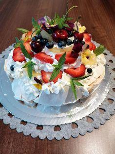 Biała Pavlova   Moje Wypieki Pavlova, Cake, Desserts, Food, Pie Cake, Meal, Cakes, Deserts, Essen