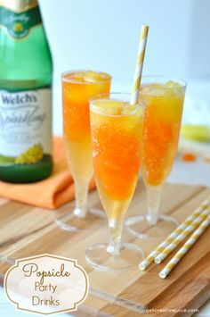 Drink Recipe: Non-Alcoholic // Popsicle Flavored Party Drinks - This is a really simple trick to dress up a casual drink: uses popsicles for ice! Nice and cool AND a fun boost of flavor! This version is a kid friendly drink — as long as your kids but you could also easily make this an adult beverage with a splash of tropical liquor.