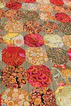 Kaffe Fassett snowball quilt by Janet Thornber. Westside Quilters Guild (Los Angeles) Snowball Quilts, Batik Quilts, Scrappy Quilts, Mini Quilts, Hexagon Quilt, Hexagons, Circle Quilts, Quilt Patterns, Colorful Quilts