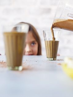 Sneaky Vegetables: Getting Kids to Eat Their Greens (5 Ways + Recipe) | via The Honest Company Blog