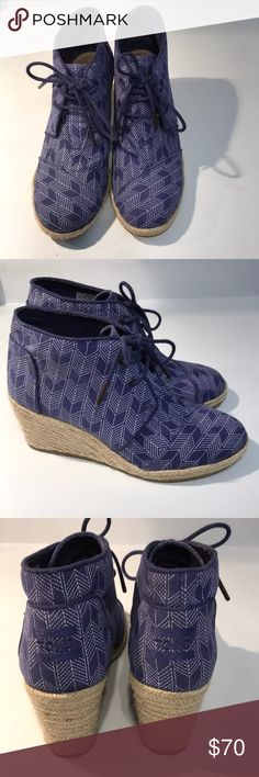 EUC TOMS DESERT WEDGES Pretty blue and white pattern worn once! TOMS Shoes Ankle Boots & Booties