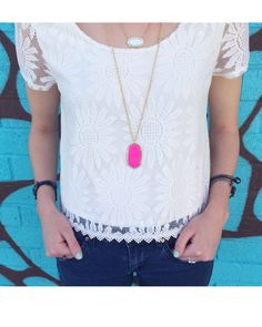 Rae Necklace in Magenta Magnesite - Kendra Scott Jewelry. Preppy Style, My Style, Summer Outfits, Cute Outfits, Kendra Scott Jewelry, Spring Summer Fashion, Dress To Impress, Pink Ladies, Style Inspiration