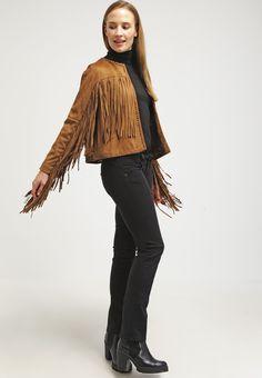 ¡Cómpralo ya!. ONLY ONLBINA Chaqueta de cuero sintético cognac.  , chaquetadecuero, polipiel, biker, ante, anteflecos, pielflecos, polipielflecos, antelina, chupa, decuero, leather, suede, suedette, fauxleather, tassel. Chaqueta de cuero  de mujer color marrón claro de Only.