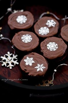 For Christmas - spicy chocolate muffins with jam  http://www.mojewypieki.com/przepis/babeczki-czekoladowo-korzenne-z-powidlami