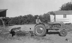 Yesterday's Tractors - Vintage Tractor Pictures - - - Old Black & White Photos