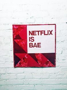 Whether you're single or taken, everyone needs a nice, romantic date with Netflix every once in a while. This Netflix and Quilt Pattern is the perfect addition to one of those dates. Get your chocolate ice cream and grab your pet cat for a marathon. Modern Quilt Patterns, Quilt Patterns Free, Quilting Projects, Quilting Designs, Geometric Quilt, Doll Quilt, Romantic Dates, Mini Quilts, Your Pet