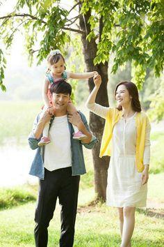 JJH Korean Actresses, Korean Actors, Korean Drama Series, Romantic Moments, Korean Star, Dramas, Movie Stars, Jin, Hugs