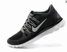 low priced 6d342 c73f8 2013 Nike Free Tjej Svart Grå Vit Skor Nike Running, Running Shoes,