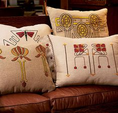 Art & Craft of the Accent Pillow — Arts & Crafts Homes and the Revival