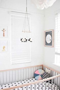 Neutral Nursery with Pops of Colour ~ 10 Nicely Neutral Nurseries | Tinyme Blog