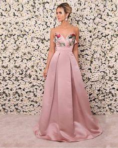 VESTIDO TOMARA QUE CAIA K CW3DWAEWZ - Livia Fashion Store - Moda feminina direto da fábrica. Vendemos varejo e atacado