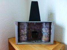 "La cheminé du Merlin. Carton, carton photo ""pierres"", washi tape gris."