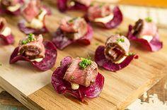 Canapé de alcatra com chips de batata doce por Academia da carne Friboi