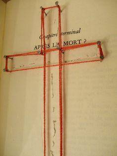 """Apres la mort (croix cloutée dans le livre """"L'instant"""" d'Alex Ceslas rzewuski)"""