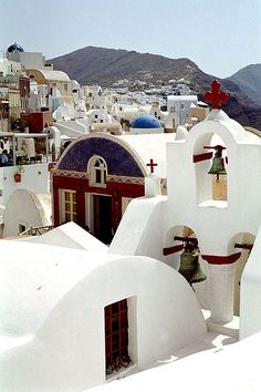 Cannot wait to see Santorini in person during our MSC Fantasia cruise.