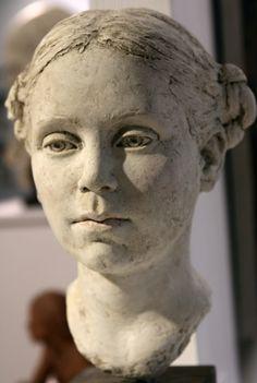 Full of soul sculpture by Suzie Zamit? Sculpture Head, Sculptures Céramiques, Clay Art, Ceramic Art, New Art, Sculpting, Inspiration, Ceramic Sculpture Figurative, Antony Gormley