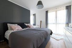 Schlafzimmer der Traumhausbauerfamilie gebaut von HARTL HAUS Bed, Furniture, Home Decor, Bedroom, Decoration Home, Stream Bed, Room Decor, Home Furnishings, Beds