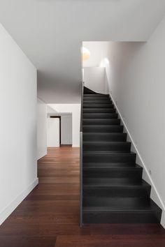 zeitgenössische heimkino raummöbel wohnlandschaft turino belas house by estúdio urbano arquitectos 161 besten stairs bilder auf pinterest in 2018 interior stairs
