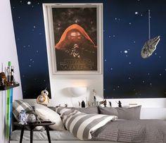 QUARTO PADAWAN   uma parede estrelada + um pôster emoldurado + uma espaçonave suspensa = quarto de um verdadeiro padawan. ;) #TecnisaDecor #StarWars #StarWarsDay #Inspire-se #Tecnisa Foto: Peth