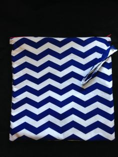 Wet Bag in blue and white chevron with a pink zipper, lined with PUL - Water Proof Bag