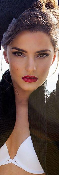 Beauty women ladies womens fashion lady woman DIY videos tutorial make lipstick makeup lover cosmetics lips eyes looks divas Most Beautiful Faces, Beautiful Eyes, Gorgeous Women, Beautiful People, Girl Face, Woman Face, Brunette Beauty, Hair Beauty, Beauty Makeup