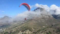 Here's a Cape Town view for adventurers! World Cruise, Paragliding, Extreme Sports, Africa Travel, Cape Town, Picture Show, South Africa, Cities, Bucket