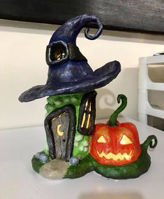 Paper Clay and Soda Bottle Witches House Easy Diy Crafts, Creative Crafts, Fun Crafts, Arts And Crafts, Halloween Village, Halloween House, Halloween Cakes, Polymer Clay Fairy, Polymer Clay Crafts