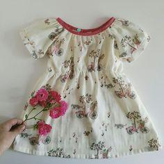 Schnittmuster Kleid Elle aus Doppel Gaze www.emmyloumakes.com
