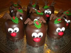 wat een gezellig dessertje zal dat worden – Food And Drink Party Treats, Party Snacks, Holiday Treats, Christmas Treats, Christmas Cookies, Christmas Time, Christmas Decorations, Mini Patisserie, Xmas Desserts