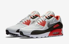 The Nike Air Max 90 Ultra SE Infrared Releases This Week