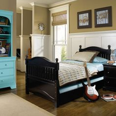 Little Man's room. Turquoise & Beige. I want that hutch- so badly.