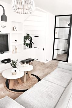 A look inside: black and white interior by Natasja - Stek Woon & Lifestyle Magazine - Black and white interior Scandinavian and tough living Looking inside Stek Magazine - Decor Scandinavian, Black And White Interior, Best Interior Design, Living Room Inspiration, Contemporary Interior, Home Living Room, Decoration, House Styles, Home Decor