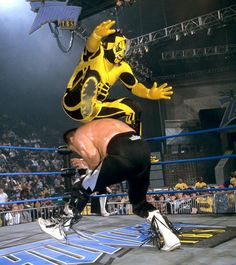 In celebration of Cinco de Mayo, WWE Classics looks at some of WCW's memorable lucha libre competitors, including Psicosis, La Parka and Rey Mysterio. Mexican Wrestler, Wwe Wrestlers, Professional Wrestling, Superstar, Stars, Thunder, February, Photos, King
