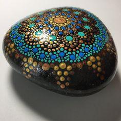 Hand Painted Mandala Stone Mandala Meditation Stone por MafaStones