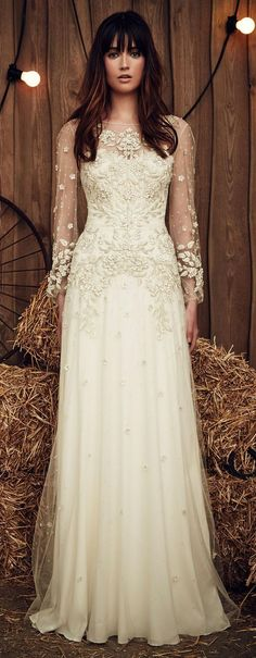 Jenny Packham Spring 2017 vintage long sleeves wedding dress / http://www.deerpearlflowers.com/wedding-dress-inspiration/jenny-packham-spring-2017-vintage-long-sleeves-wedding-dress/