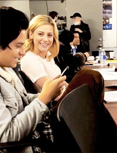 """T — gershwinn: """"No, I don't! The Perfect Daughter, Perfect Sisters, Bughead Riverdale, Riverdale Funny, Riverdale Betty And Jughead, Betty Cooper Riverdale, Lili Reinhart And Cole Sprouse, Cole Sprouse Jughead, Riverdale Characters"""