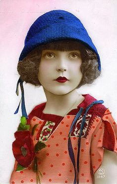 Gorgeous 1920s postcard of a beautiful little girl  via chicks57's photostream