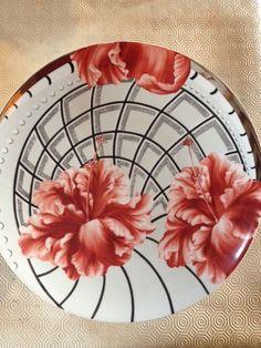 plat  de 60 cm de diamètre aux hibiscus .....